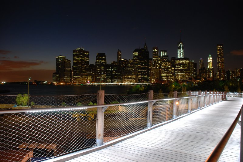 Brooklyn Bridge Park und Manhattan Skyline